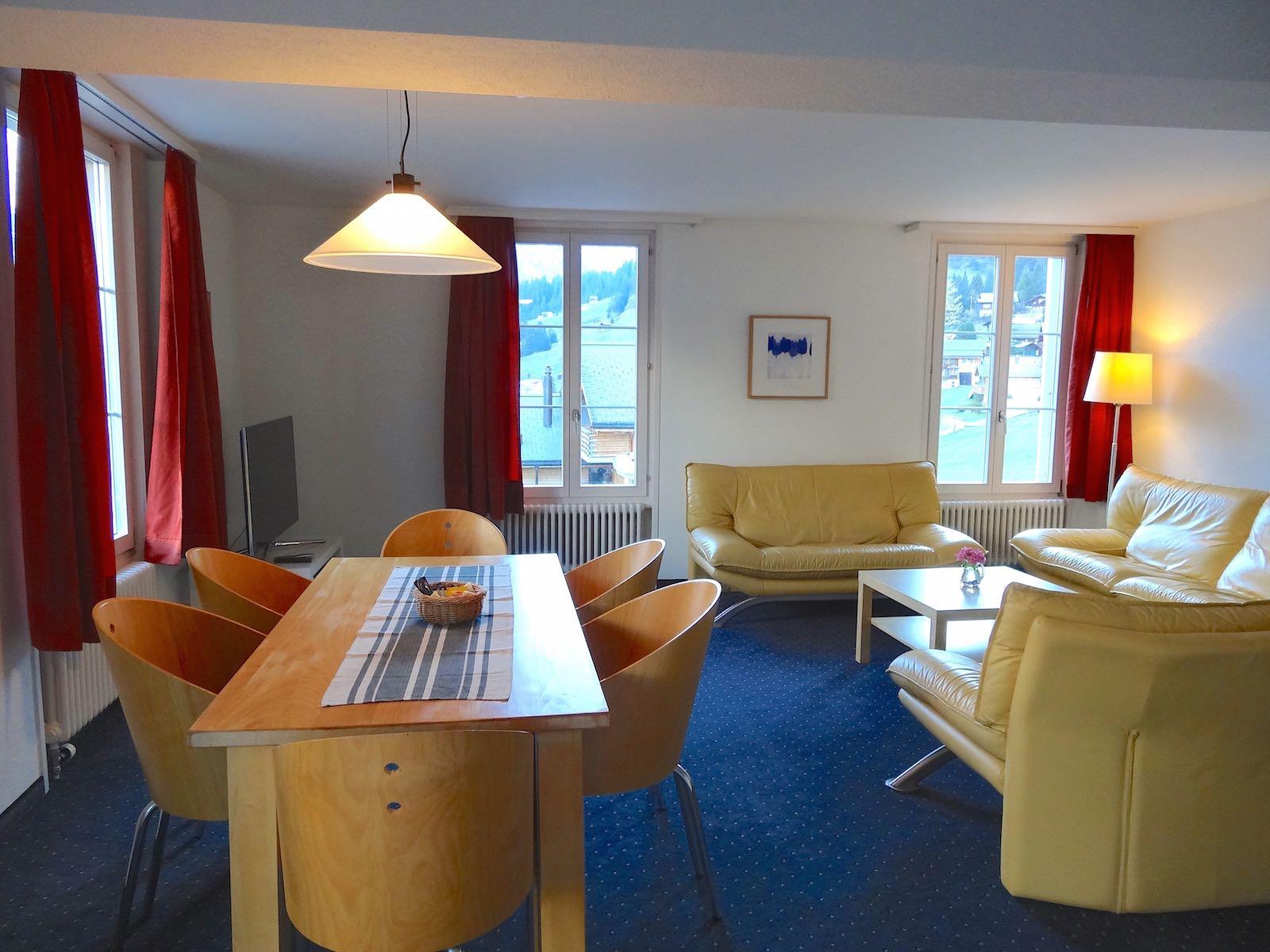 http://hoteljungfrau.ch/wp-content/uploads/2014/11/hotel-apartment-7.jpg
