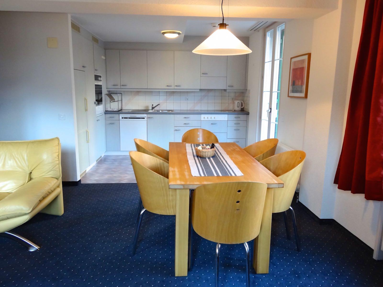 http://hoteljungfrau.ch/wp-content/uploads/2014/11/hotel-apartment-9.jpg