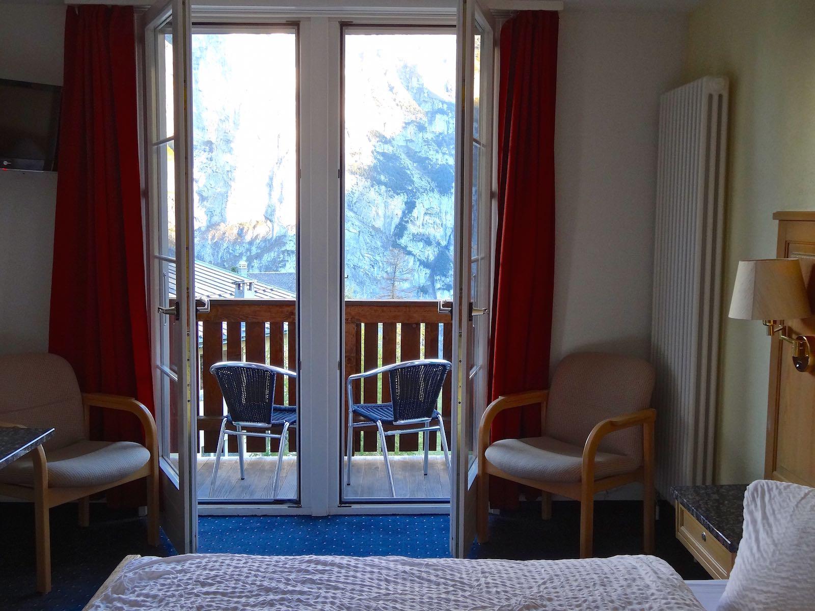 http://hoteljungfrau.ch/wp-content/uploads/2014/11/superior-zimmer-12.jpg