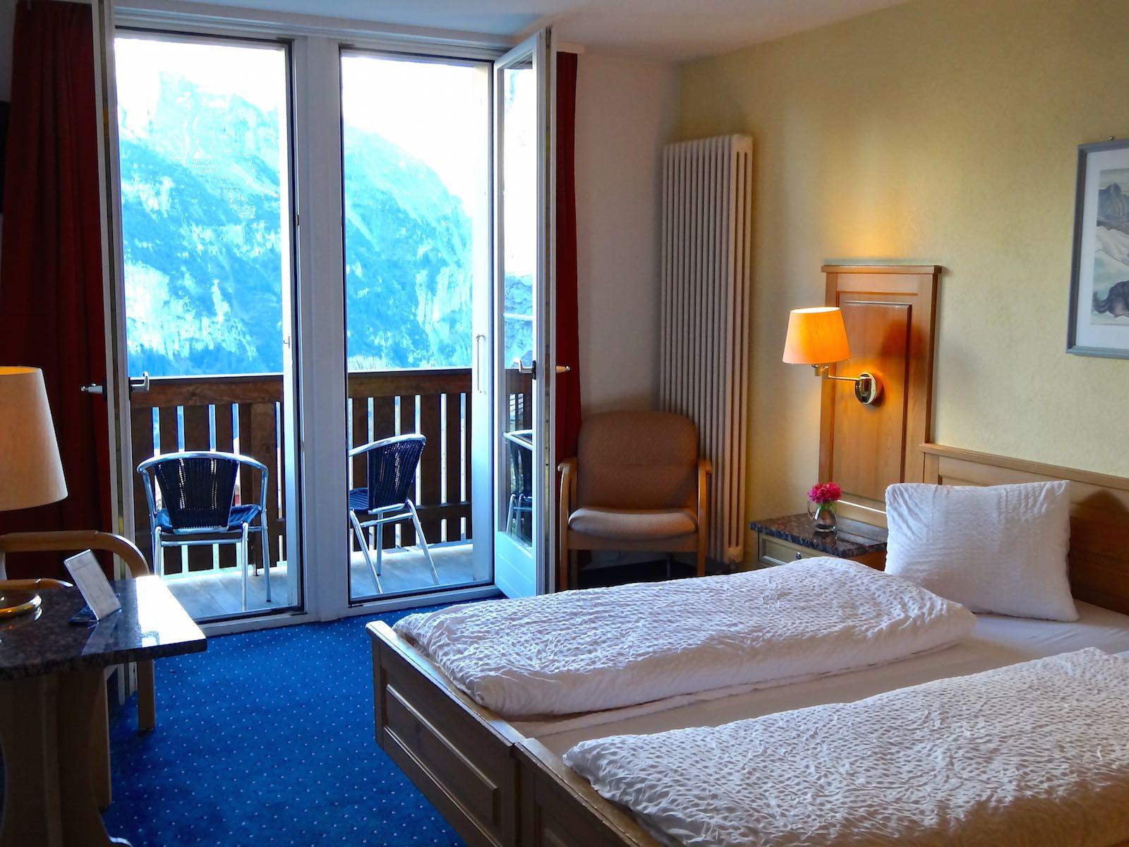 http://hoteljungfrau.ch/wp-content/uploads/2014/11/superior-zimmer-6.jpg