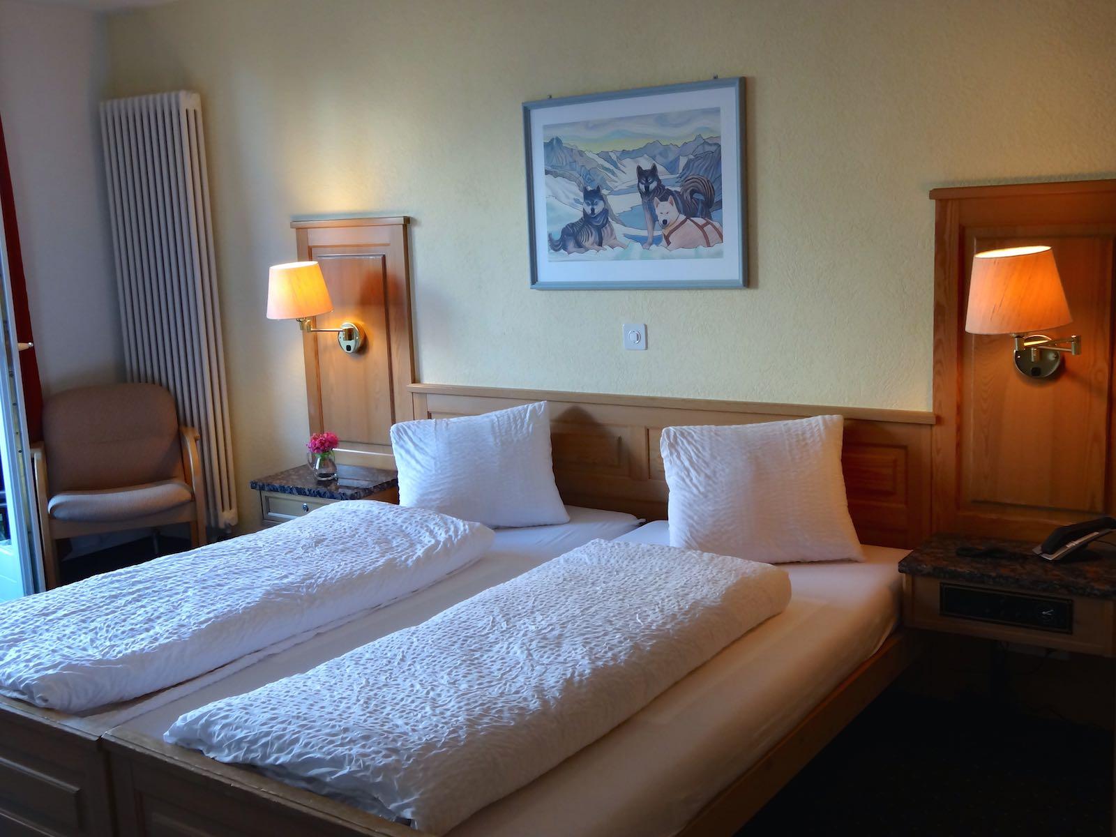 http://hoteljungfrau.ch/wp-content/uploads/2014/11/superior-zimmer-7.jpg