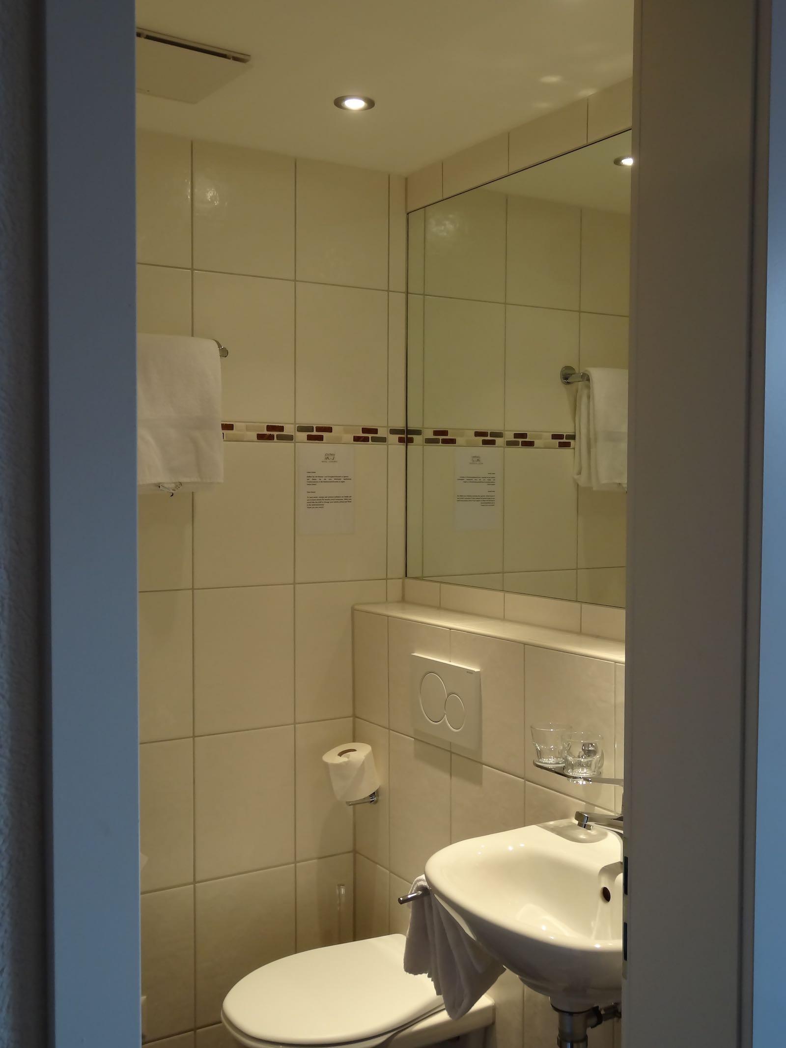 http://hoteljungfrau.ch/wp-content/uploads/2014/11/superior-zimmer-8.jpg